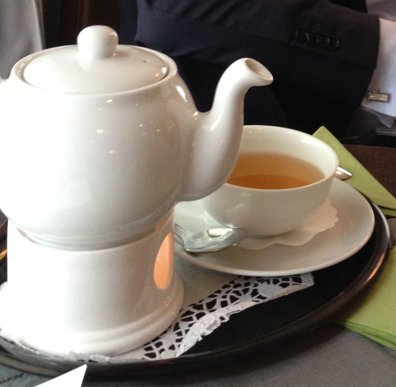 Verschiedene Tee- und Kaffeespezialitäten